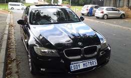 2010 model BMW 3-Series 320i black co-lour with KM80000 for sale
