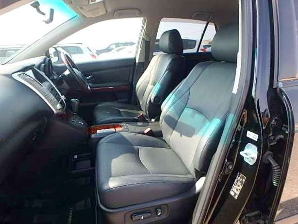 Toyota Harrier, KCN,leather seats City Centre - image 6