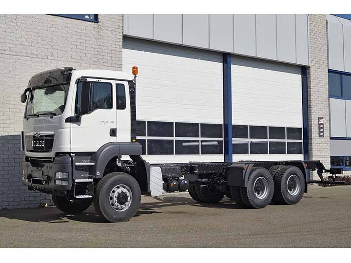 MAN TGS 33.400 BB-WW 6X6 CHASSIS-CABIN (3 units)