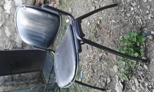 Easy leather padded office chair Changamwe - image 2