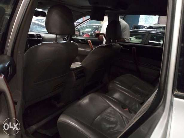 Extremely Clean 2009 Toyota Highlander Full Options Alausa - image 7