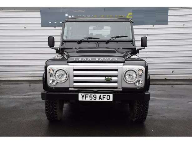 2010 Landrover Defender 110 TDI 2.4 Diesel Manual*Outstanding* leather Nairobi West - image 5