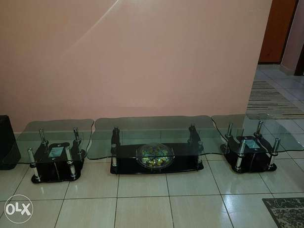 Unique 3 piece glass black coffee table at an affordable price Mombasa Island - image 1
