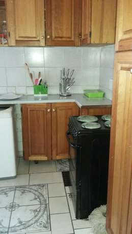Big bedroom for rent in a flat,in Townsview/Rosettenviller Townsview - image 2