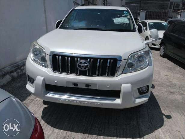 Toyota Prado 7seater 2011 model KCN number. Loaded with alloy rims , Mombasa Island - image 5
