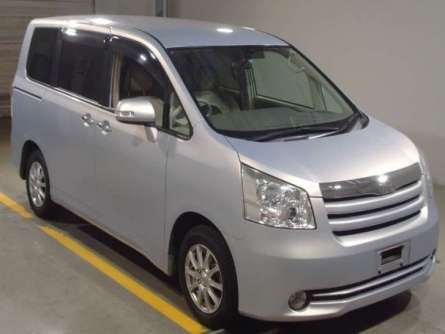Toyota Noah 2010 Just Arrived Foreign Used For Sale 1,450,000/= Highridge - image 1