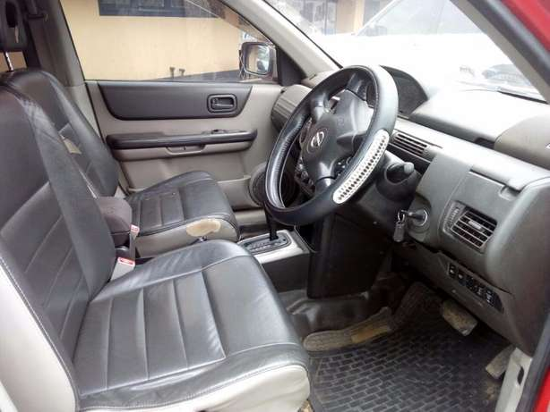 2004 Nissan Xtrail, Hyper Roof, Automatic, 2000cc, Clean Woodly - image 5
