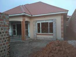 Sun filled4 bedroom house for sale in Kiira at 150m