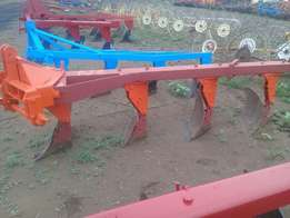 4 Furrow ploughs for sale