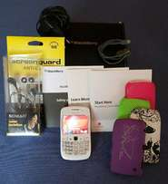 """Blackberry Curve 8520 """"perfect"""" condition Go Retro with lots of extras"""