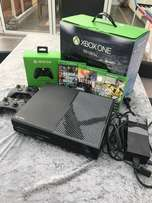 Complete xbox one with 2 pads and Need for speed