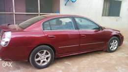 Very clean Nissan ultima for sell