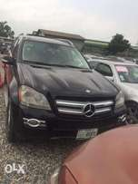 Clean 2007 mercedez Benz GL450 - 3.5m