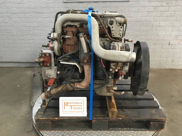 Iveco F4AE0481A TECTOR 4 engine for truck - 2001
