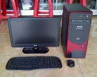 19inch lcd monitor keyboard and mouse CPU.2.4ghz,Running on Windows 7,