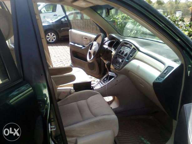SUPER CLEAN highlander for give away price Central Business District - image 8