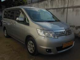 Full loaded Nissan Serena, silver colour for sale!