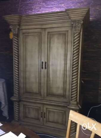 Cabinet classical prestigious luxury style made by solid wood