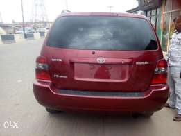 Toyota Highlander 05 super clean leather 3 row tinkan accident free