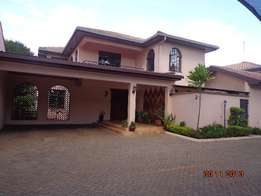Elegant 4bedrooms villa en-suite. Family, Nice garden, only 4units