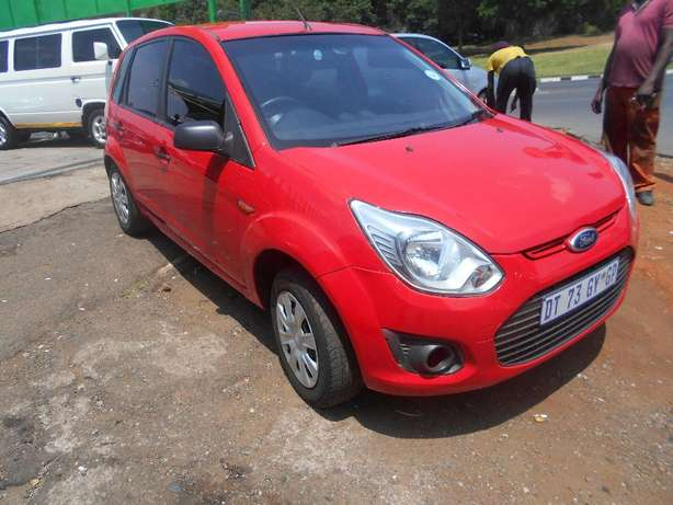 Ford figo 2013 model 1.4 red in color hatshback 14000km R89000 Johannesburg CBD - image 4