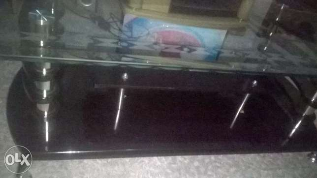 Coffee Table Elegant With hard Glass Top Zimmerman - image 3