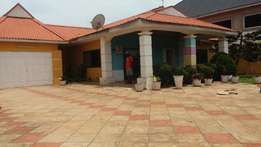 executive neatly built 3bedrm selfcompound+boys qtrs 4rent in spintex