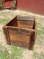 WOODEN BOX - Verbus Bolts Box from Parys J 2544
