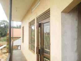 Strategic 2 bedroom house in kisaasi at 400k