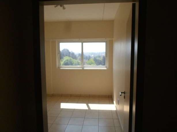 1 / 2 besroom appartment florida Roodepoort - image 6