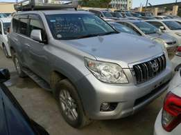 Toyota Prado 4000cc KCM number 2010 model loaded with alloy rims,