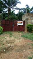 Estate for sale. With three flats inside and 14 plots of land inside.