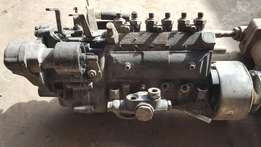 Isuzu 6hh1 injectors diesel pump for sale