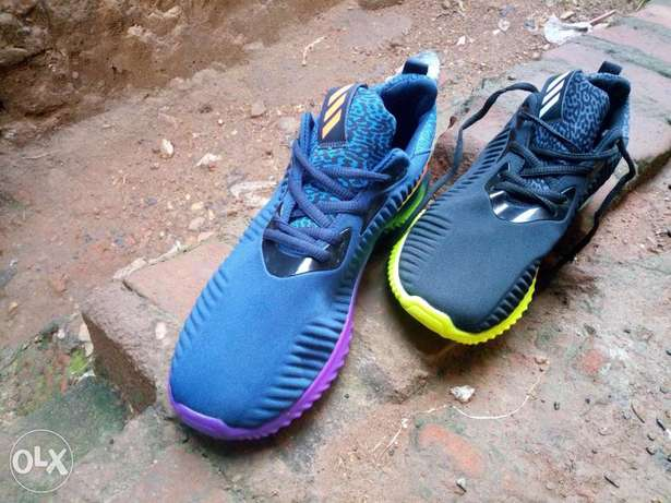 Adidas alpha bounce, A neutral running shoe with breathable light weit Kampala - image 7