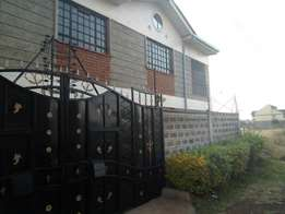 Vacant 4bedroomed Mansionette to let along Thika Road in Kenyatta Rd