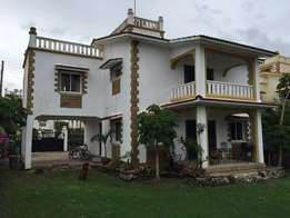 LUXURIOUS 5 bedroom own compound MANSION with all En suites