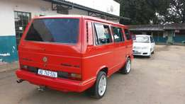 Caravelle 2.6i exclusive.