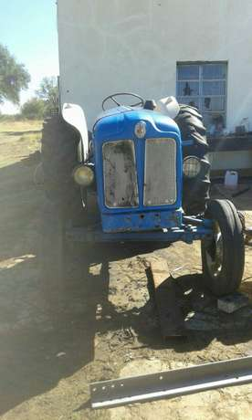 Fordson Tractor Brits - image 4