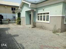 Lovely fully detached 3 bedroom bungalow for rent in wuse 2
