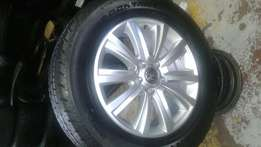 "265/60R18 (4) continental tyres withv18"" BE Amarok mags on sale"