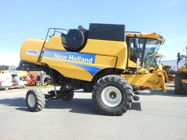 New Holland csx  7080 laterale 4x4 - 2011