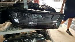 Audi Q7 headlights for sale very good condition