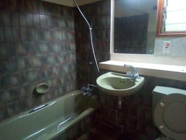 4 bedrooms bungalow to lett in lakeview. Westlands - image 3