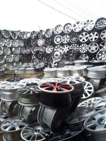 Dealer in all kinds motor parts such as alloyed wheels and tiers Ifelodun - image 3