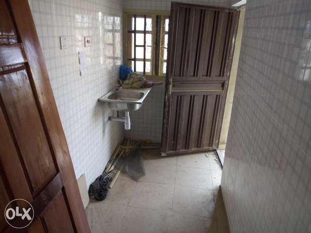 Room and parlour self contain Abeokuta South - image 3