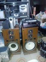 Kenwood speaker with amplifre and conveter