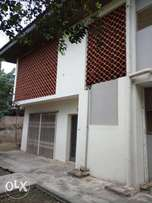 4 bedrooms duplex with 3 toilet& bath newly renovated at Oluyole estat