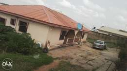 To let: cheap 2bedrm flat at Alagbaka gra Akure