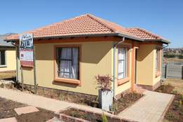 Why rent when you can buy a house in Witpoortjie.R19000 single/joint