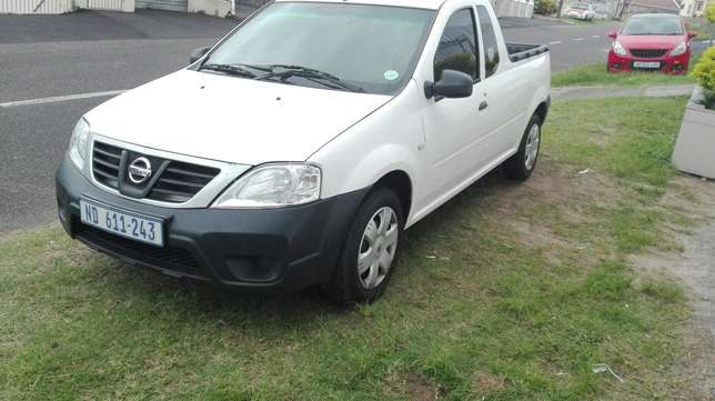 2014 nissan np200 Queensburgh - image 6